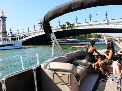 Weekend cruise on the Seine