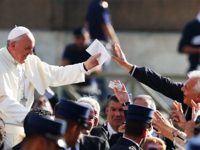 Papal History & Audience
